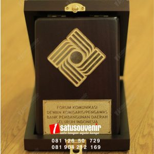 plakat kayu forum komunikasi BPD