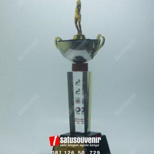 plakat resin kejuaraan badminton