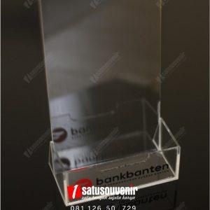 Box Akrilik Brosur
