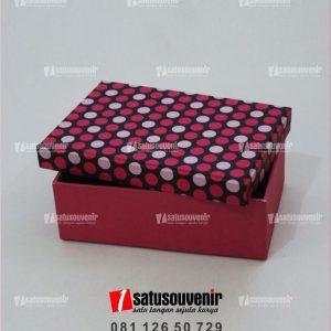 Box Beludru Kotak Kado