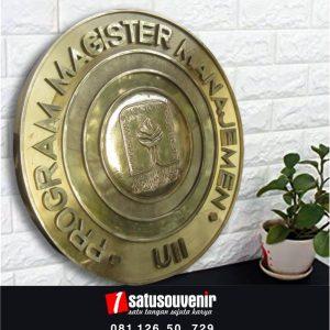 Kerajinan Kuningan Program Magister UII
