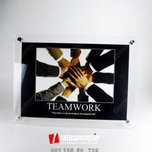 Frame Akrilik 03
