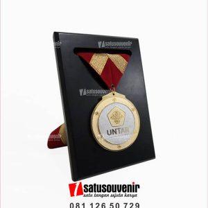 MED09 Medali UNTAR