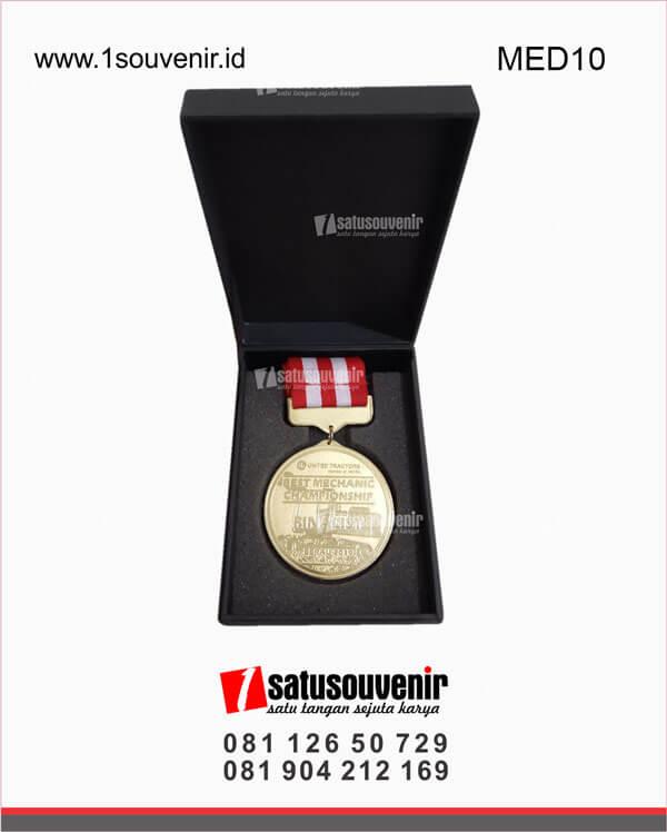 MED10 Harga Medali Olahraga United Tractors Berau