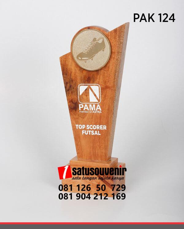 PAK124 Plakat Kayu Penghargaan Top Scorer Futsal Pama