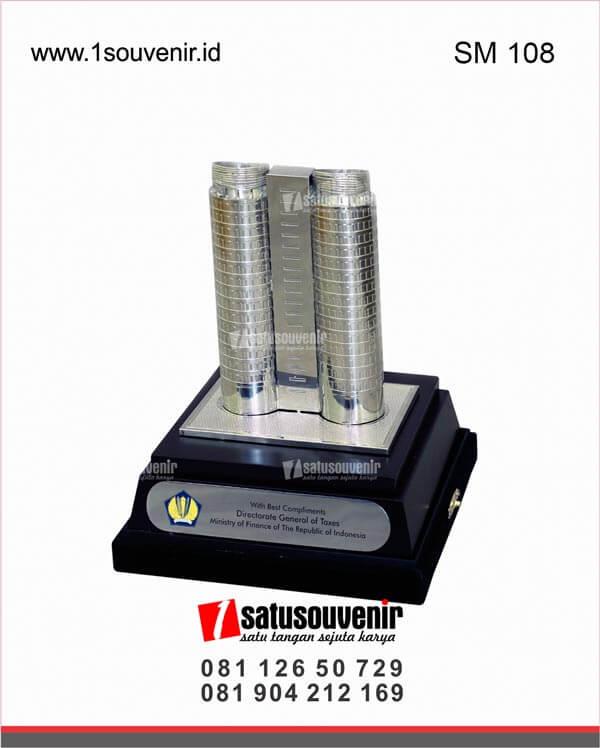 SM108 Souvenir Miniatur Gedung Keuangan RI