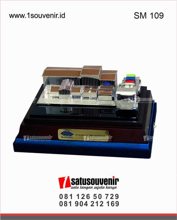 SM109 Souvenir Miniatur Bangunan PT NS Bluescope Indonesia