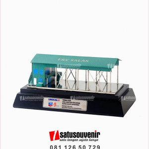 SM126 Souvenir Miniatur Gedung E&C Salak