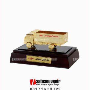 SM134 Souvenir Miniatur Truk Arba Group