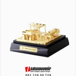 SM135 Souvenir Miniatur SPPBE Arba Group