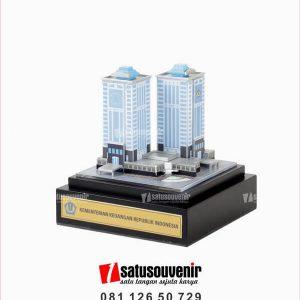 SM136 Souvenir Miniatur Gedung Kementerian Keuangan Republik Indonesia