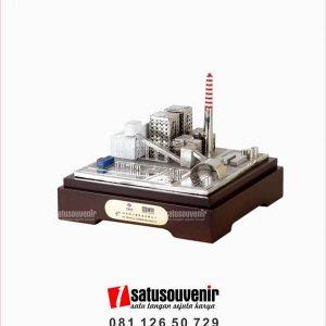 SM137 Souvenir Miniatur Gedung PT Tenaga Listrik Bengkulu