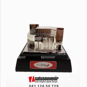 SM139 Souvenir Miniatur Gedung Bank Jatim