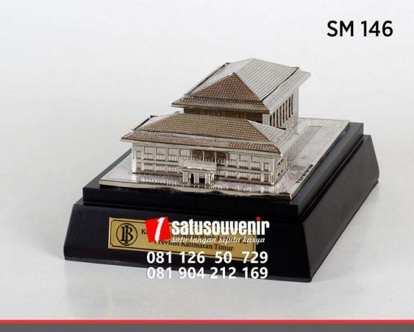SM146 Souvenir Miniatur Gedung Bank Indonesia Provinsi Kalimantan Timur