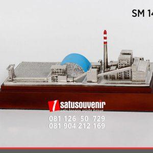SM148 Souvenir Miniatur Gedung Industri