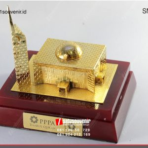 Souvenir Miniatur Masjid Daarul Qur'an
