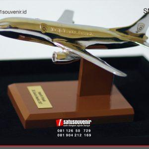 Souvenir Miniatur Pesawat