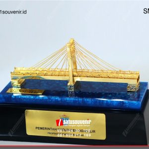 Souvenir Miniatur Jembatan Ogan Ilir