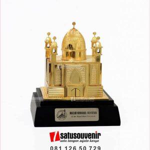 SM99 Souvenir Miniatur Bangunan Masjid Ikhwanul Mukminin Pontianak