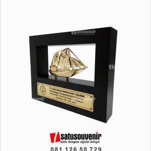 SV56 Souvenir Perusahaan Frame Kapal Hasanuddin University Hospital Makassar